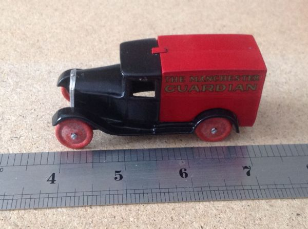 "Dinky Toys copy model 28 Series Type 1 Delivery Van ""Manchester Guardian"""